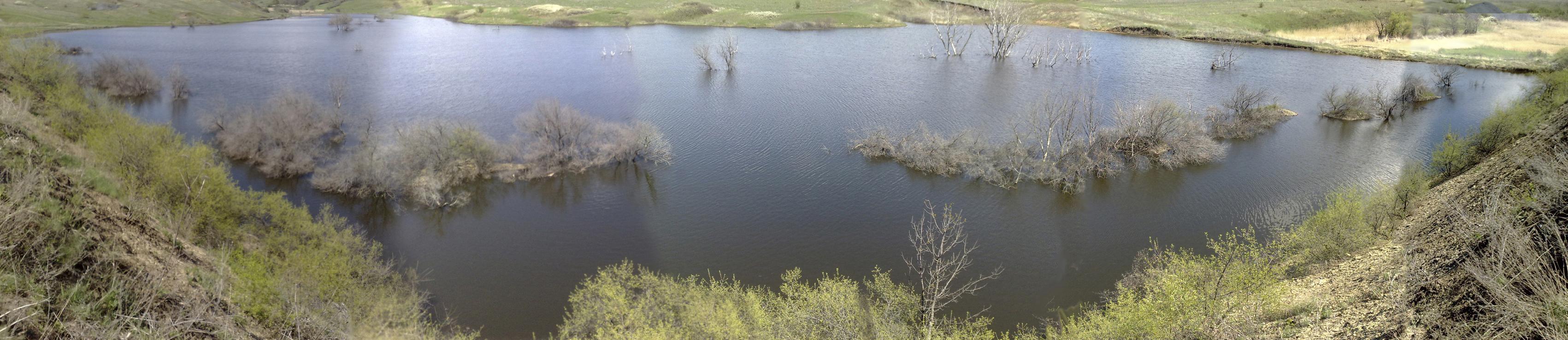 Панорама водоема